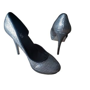 CHARLES BY CHARLES DAVID Silver Heels Size 8
